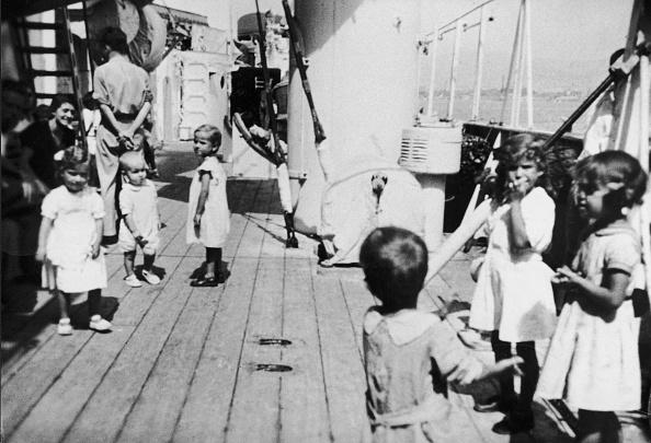 Spanish Culture「Spanish Refugee Children」:写真・画像(17)[壁紙.com]