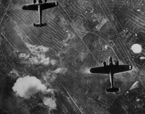Exploding「Luftwaffe Over London」:写真・画像(18)[壁紙.com]
