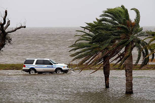 Gulf Coast Prepares For Hurricane Ike:ニュース(壁紙.com)