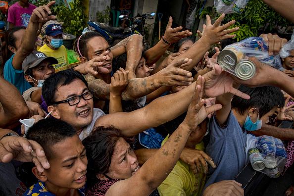 Ezra Acayan「Residents Return In The Aftermath Of Typhoon Vamco」:写真・画像(6)[壁紙.com]