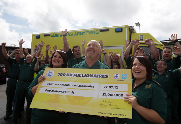 Success「Ambulance Service Workers Win £1m In The EuroMillions Lottery」:写真・画像(10)[壁紙.com]