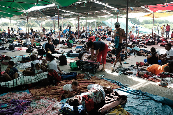 Displaced Persons Camp「Thousands Of Hondurans In Migrant Caravan Continue March Through Mexico」:写真・画像(9)[壁紙.com]