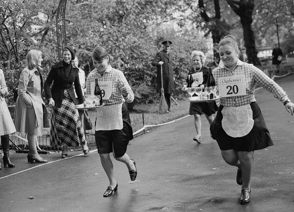 Offbeat「Wine Waiters' Race」:写真・画像(12)[壁紙.com]