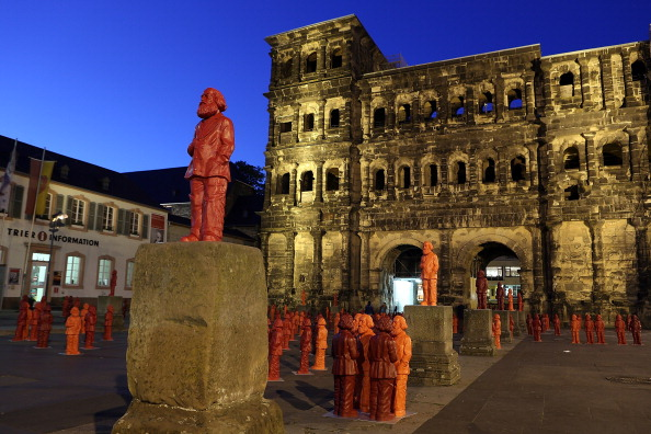 Trier「500 Karl Marx Statues Are Highlight Of Trier Exhibition」:写真・画像(0)[壁紙.com]
