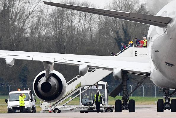UK「British Evacuees Arrive Home From Coronavirus Hit Wuhan Province」:写真・画像(16)[壁紙.com]