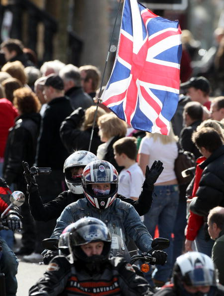 Support「Bikers Pay Tribute To Wootton Bassett In Mass Rally」:写真・画像(2)[壁紙.com]
