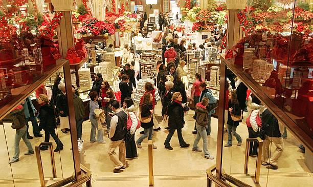 Retailers Hope Post-Christmas Sales Will Save Bottom Line:ニュース(壁紙.com)