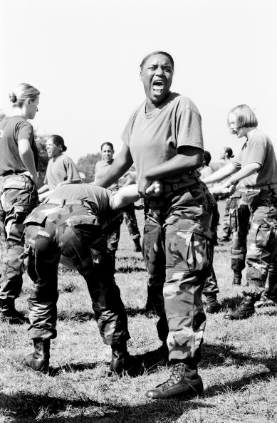 Tom Stoddart Archive「Women Marines」:写真・画像(4)[壁紙.com]