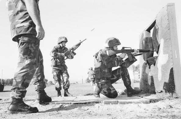 Tom Stoddart Archive「Women Marines」:写真・画像(13)[壁紙.com]