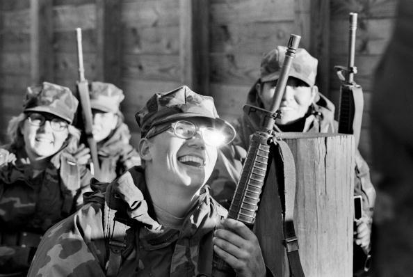 Tom Stoddart Archive「Women Marines」:写真・画像(6)[壁紙.com]