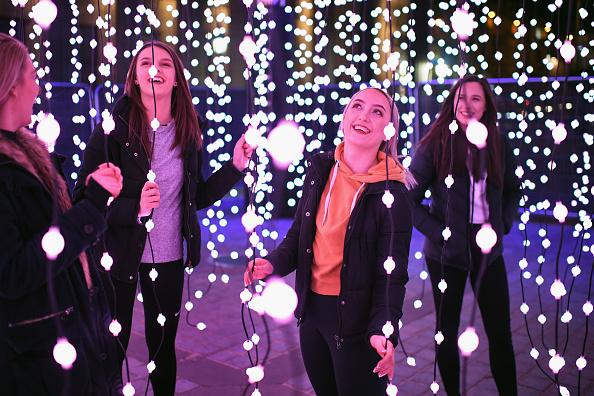 Installation Art「Edinburgh Lumen Lights Up The Night」:写真・画像(8)[壁紙.com]