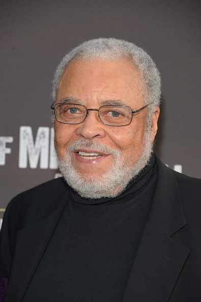 James Earl Jones「'Of Mice And Men' Broadway Opening Night - Arrivals & Curtain Call」:写真・画像(4)[壁紙.com]