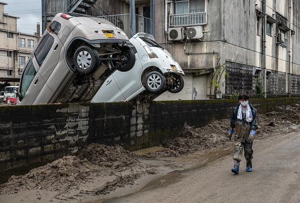 Bestpix「Dozens Killed As Torrential Rain Causes Widespread Flooding In Central Japan」:写真・画像(15)[壁紙.com]