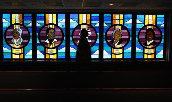 Church「Church Supports Faithful Struggling Through Recession」:写真・画像(5)[壁紙.com]