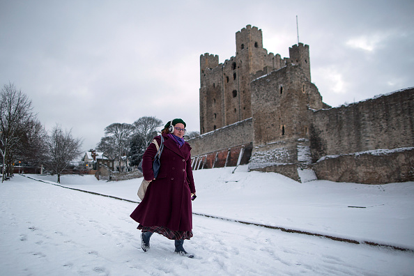 Snow「Cold Weather Front From Russia Brings Snow Across The UK」:写真・画像(5)[壁紙.com]