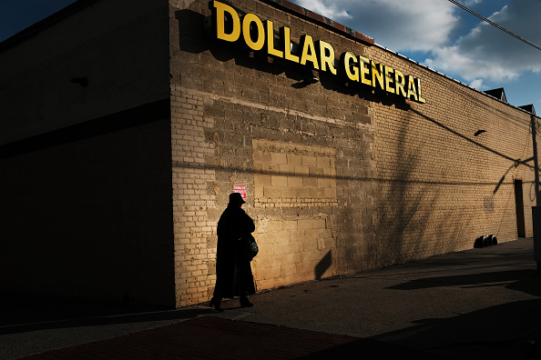 Poverty「Dollar Stores On The Rise As The Erosion Of  The Middle Class Continues」:写真・画像(13)[壁紙.com]