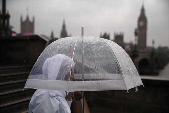 雨「Heavy Rain Sweeps Across Britain」:写真・画像(17)[壁紙.com]