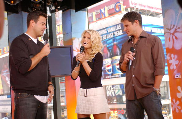 Cable Television「Carson Daly, Nick Lachey And Jessica Simpson」:写真・画像(4)[壁紙.com]