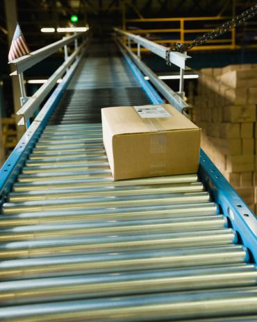 Belt「Package on conveyor belt in warehouse」:スマホ壁紙(9)