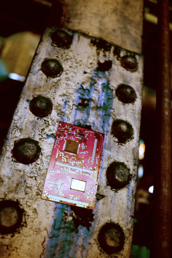Mother Board「Circuit board on pole」:スマホ壁紙(1)