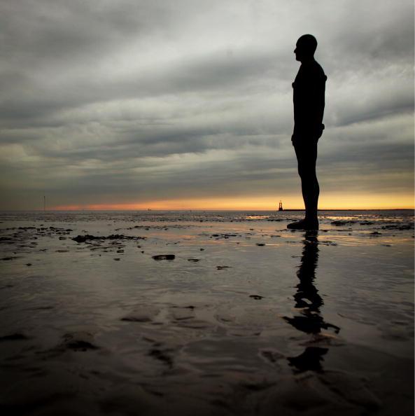 Antony Gormley「'Another Place' On Exhibit At Waterloo Beach」:写真・画像(18)[壁紙.com]