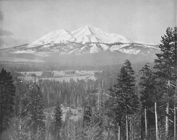 Active Volcano「Mount Shasta」:写真・画像(1)[壁紙.com]