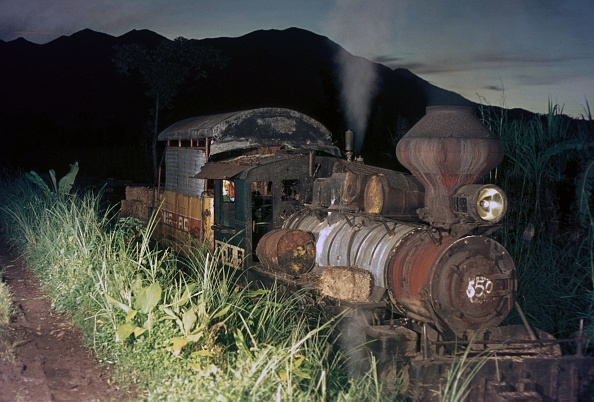 Adventure「Adventures at Ma Ao Sugar central on the Philippine island of Negros with No.5 a former Bacolod & Murcia Alco 2-6-0 Mogul at work in November 1974.」:写真・画像(19)[壁紙.com]