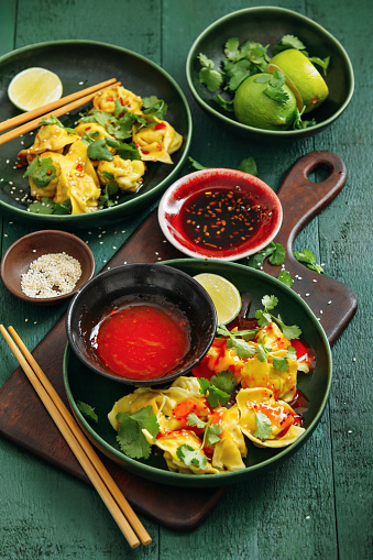 Chili Sauce「Steamed wontons filled with pork and chicken」:スマホ壁紙(8)