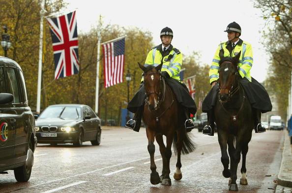 Recreational Horseback Riding「Security In London Stepped Up As Police Prepare For Bush's Visit」:写真・画像(12)[壁紙.com]