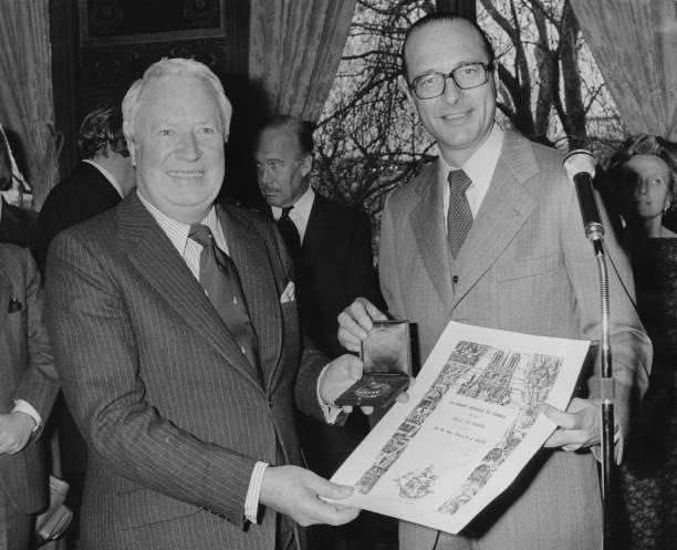 メダル授与式「Edward Heath And Jacques Chirac」:写真・画像(6)[壁紙.com]