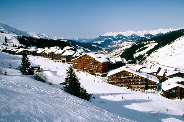 Ski Slope「Alpine ski resort of Mottaret, France」:写真・画像(7)[壁紙.com]