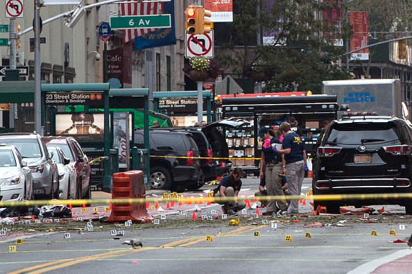 Exploding「Explosion In Chelsea Neighborhood of New York City Injures 29」:写真・画像(12)[壁紙.com]