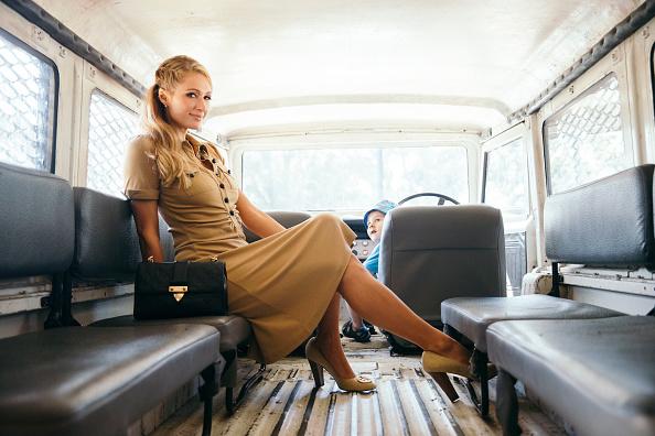 パリス・ヒルトン「Paris Hilton Launches Rosé Rush Fragrance in Australia: An Alternative View」:写真・画像(5)[壁紙.com]
