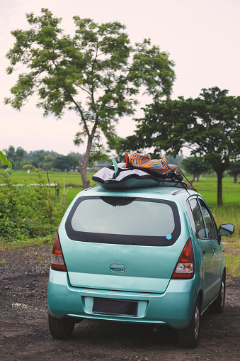サーフィン「Indonesia, Java, car with surfboards on the roof」:スマホ壁紙(19)