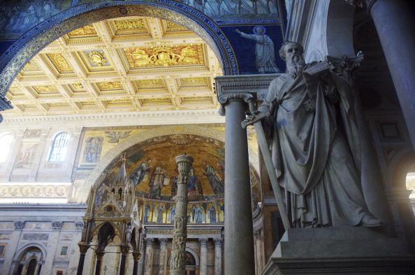 バシリカ「St Paul's Tomb Unearthed In Rome」:写真・画像(2)[壁紙.com]