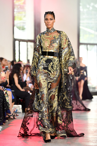 Paris Haute Couture Fashion Week「Elie Saab : Runway - Paris Fashion Week - Haute Couture Fall/Winter 2019/2020」:写真・画像(4)[壁紙.com]