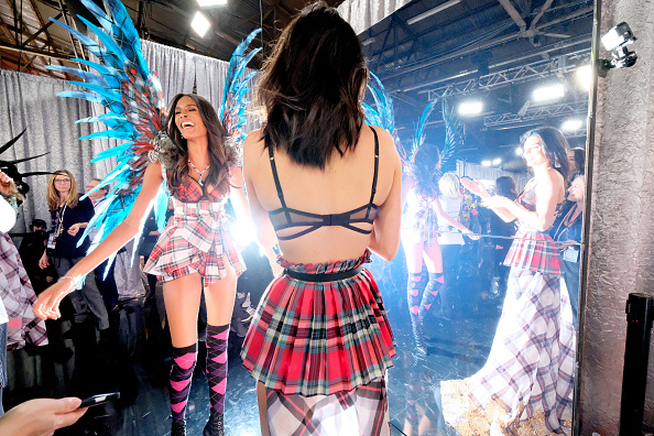 Fashion show「2018 Victoria's Secret Fashion Show in New York - Backstage」:写真・画像(15)[壁紙.com]