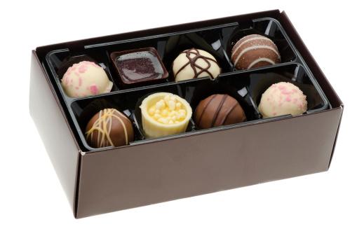 チョコレート「高級チョコレート 1 箱」:スマホ壁紙(18)