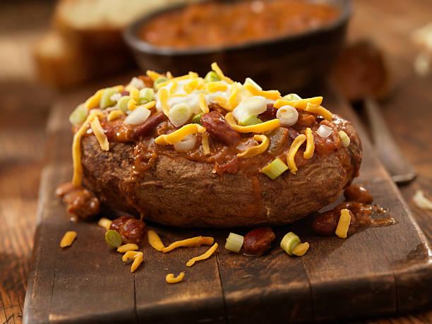 Baked Potato Topped with Chili:スマホ壁紙(壁紙.com)