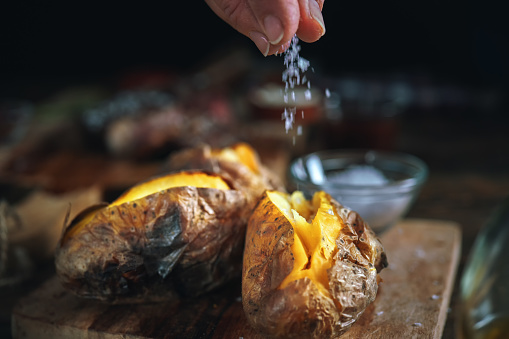 Roasted「Baked Potato with Sea Salt and Olive Oil」:スマホ壁紙(14)