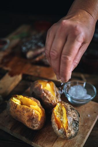 Baked Potato「Baked Potato with Sea Salt and Olive Oil」:スマホ壁紙(3)