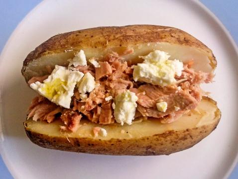 Baked Potato「Baked potato with tuna and feta cheese」:スマホ壁紙(8)