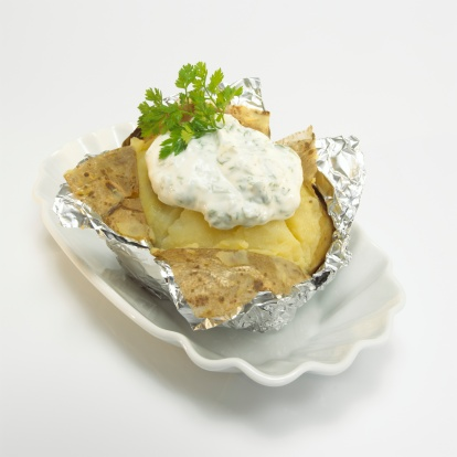 Baked Potato「Baked potato with sour cream in foil, close-up」:スマホ壁紙(18)