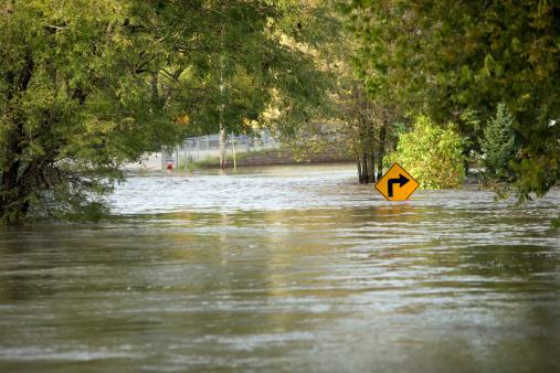 Flood「Flooded River Over a City Street」:スマホ壁紙(13)