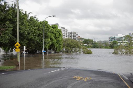 Queensland「Flooded river over road」:スマホ壁紙(17)