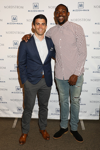 King of Prussia - Pennsylvania「Alshon Jeffery Personal Appearance for Mizzen and Main at Nordstrom The Plaza at King of Prussia」:写真・画像(6)[壁紙.com]