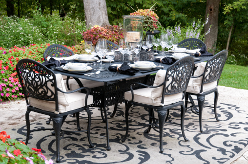 Front or Back Yard「Garden Patio Dinner Party Setting」:スマホ壁紙(6)