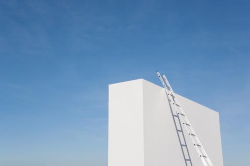 Effort「Ladder against white wall outdoors」:スマホ壁紙(18)
