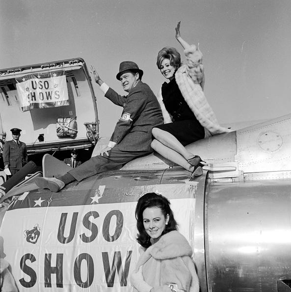 Showing「Hope's USO Show」:写真・画像(8)[壁紙.com]