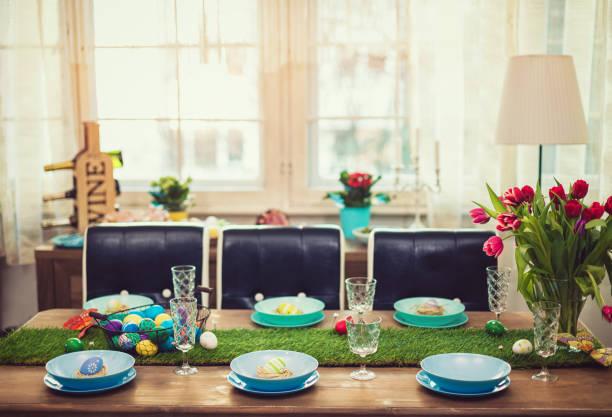 Decorated Easter Table:スマホ壁紙(壁紙.com)